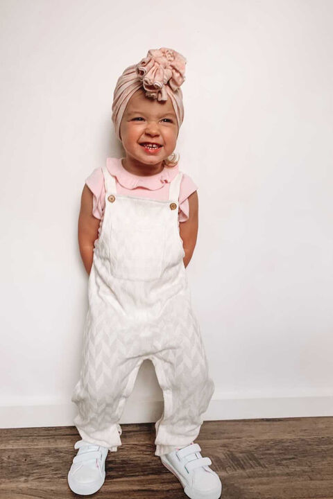 BABY GIRL SIENNA KNIT OVERALLS in colour CLOUD DANCER